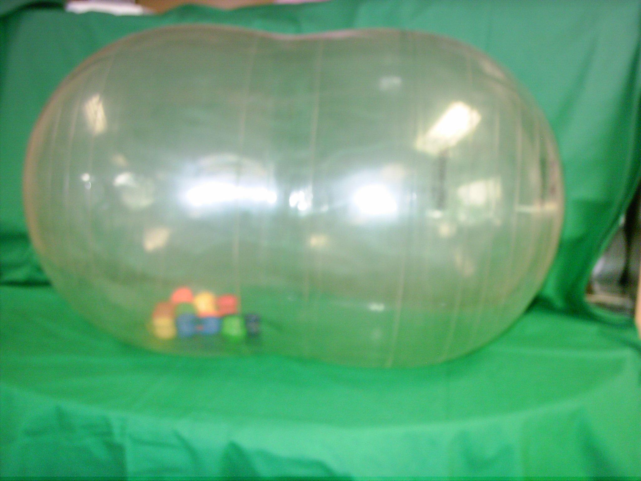 B004 Grote doorzichtige bal met kleine ballen erin